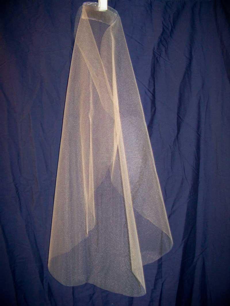 we make plain champagne veils this mantilla veil became a diy veil